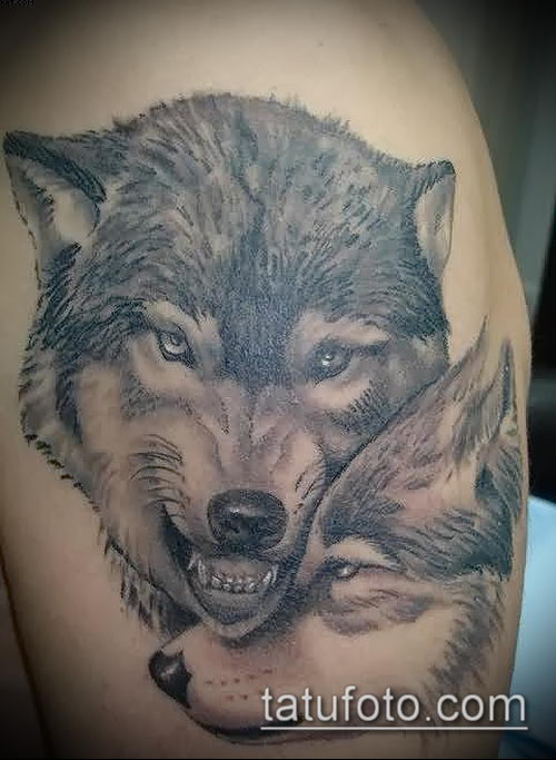 Тату волк с волчицей