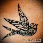 фото тату воробей №86 - прикольный вариант рисунка, который удачно можно использовать для доработки и нанесения как тату птица с цветами