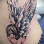 фото тату воробей №209 - уникальный вариант рисунка, который удачно можно использовать для переделки и нанесения как тату воробей на шее