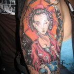 фото тату гейша №840 - крутой вариант рисунка, который хорошо можно использовать для переделки и нанесения как тату гейша с сакурой