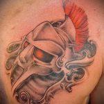 фото тату гладиатор №168 - достойный вариант рисунка, который легко можно использовать для преобразования и нанесения как тату гладиатора на икре