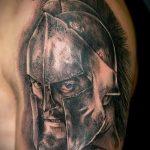 фото тату гладиатор №246 - прикольный вариант рисунка, который хорошо можно использовать для преобразования и нанесения как тату гладиатор воин