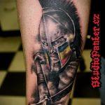 фото тату гладиатор №663 - классный вариант рисунка, который хорошо можно использовать для доработки и нанесения как тату гладиатор на ноге