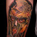 фото тату гладиатор №637 - классный вариант рисунка, который удачно можно использовать для переработки и нанесения как тату гладиатор и ангел