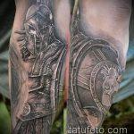 фото тату гладиатор №964 - интересный вариант рисунка, который успешно можно использовать для доработки и нанесения как тату гладиатор на спине