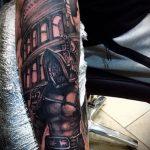 фото тату гладиатор №478 - классный вариант рисунка, который легко можно использовать для доработки и нанесения как тату гладиатора на руке