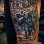 фото тату гладиатор №614 - прикольный вариант рисунка, который удачно можно использовать для переработки и нанесения как тату гладиатор на плече