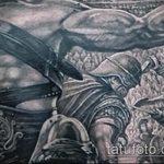 фото тату гладиатор №40 - интересный вариант рисунка, который успешно можно использовать для переработки и нанесения как тату гладиатор доспехи на ноге