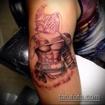 фото тату гладиатор №819 - крутой вариант рисунка, который хорошо можно использовать для доработки и нанесения как тату гладиатор шлем