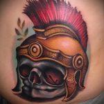 фото тату гладиатор №708 - классный вариант рисунка, который успешно можно использовать для преобразования и нанесения как тату гладиатор доспехи на ноге