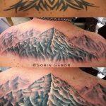 фото тату горы №165 - крутой вариант рисунка, который легко можно использовать для переделки и нанесения как тату горы на шее
