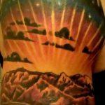 фото тату горы №15 - интересный вариант рисунка, который легко можно использовать для преобразования и нанесения как тату горы и ели