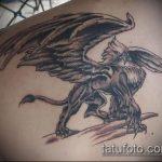 фото тату грифон №28 - уникальный вариант рисунка, который удачно можно использовать для преобразования и нанесения как тату грифон голова