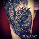 фото тату грифон №456 - классный вариант рисунка, который хорошо можно использовать для преобразования и нанесения как тату грифон на запястье