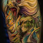фото тату грифон №340 - классный вариант рисунка, который удачно можно использовать для переделки и нанесения как тату грифон на предплечье
