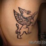 фото тату грифон №971 - крутой вариант рисунка, который хорошо можно использовать для преобразования и нанесения как тату грифон для девушек