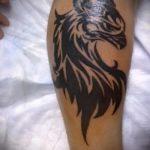 фото тату грифон №806 - крутой вариант рисунка, который хорошо можно использовать для переделки и нанесения как тату грифон на всю спину