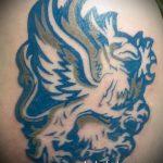 фото тату грифон №966 - уникальный вариант рисунка, который удачно можно использовать для переработки и нанесения как тату грифон абхазия