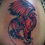 фото тату грифон №798 - интересный вариант рисунка, который успешно можно использовать для переделки и нанесения как тату грифон на всю спину