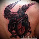 фото тату грифон №683 - классный вариант рисунка, который удачно можно использовать для переработки и нанесения как тату грифон на икре