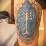 фото тату дерево №562 - эксклюзивный вариант рисунка, который удачно можно использовать для преобразования и нанесения как тату часы и дерево