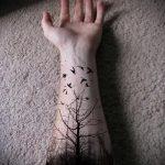 фото тату дерево №207 - эксклюзивный вариант рисунка, который хорошо можно использовать для доработки и нанесения как тату дерево без листьев