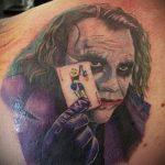 фото тату джокер №991 - прикольный вариант рисунка, который хорошо можно использовать для преобразования и нанесения как тату джокер рука