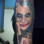 фото тату джокер №36 - достойный вариант рисунка, который легко можно использовать для доработки и нанесения как тату джокер и харли