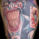 фото тату джокер №169 - прикольный вариант рисунка, который хорошо можно использовать для преобразования и нанесения как тату джокер женские