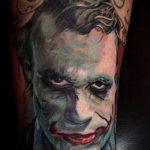 фото тату джокер №925 - крутой вариант рисунка, который хорошо можно использовать для переделки и нанесения как тату джокер с картами