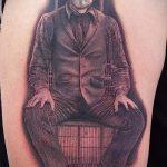 фото тату джокер №269 - интересный вариант рисунка, который успешно можно использовать для переделки и нанесения как улыбка джокера тату