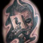 фото тату джокер №148 - достойный вариант рисунка, который удачно можно использовать для переработки и нанесения как тату джокер олд скул