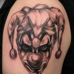 фото тату джокер №259 - уникальный вариант рисунка, который легко можно использовать для переделки и нанесения как тату джокер улыбка