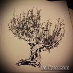эскиз тату дерево №111 - классный вариант рисунка, который хорошо можно использовать для переделки и нанесения как тату дерево на боку