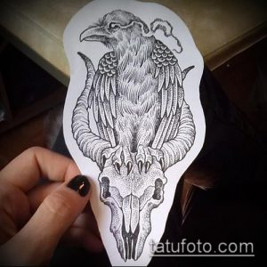 эскиз тату козел №337 - прикольный вариант рисунка, который легко можно использовать для переработки и нанесения как тату козел и ножи атомы
