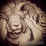 эскиз тату козел №849 - интересный вариант рисунка, который удачно можно использовать для переделки и нанесения как тату козел на запястье