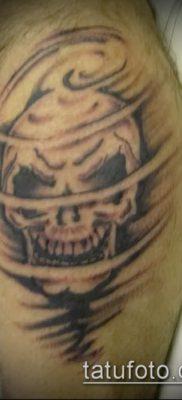 пример татуировки череп и ветер – фото