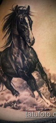тату конь фото (значение) – пример интересного рисунка тату – 020 tatufoto.com