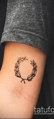 тату лавровый венок (значение) – пример интересного рисунка тату – 048 tatufoto.com