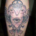 фото тату голубь №70 - интересный вариант рисунка, который успешно можно использовать для доработки и нанесения как тату голубь на запястье