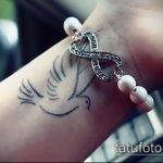 фото тату голубь №778 - интересный вариант рисунка, который легко можно использовать для переработки и нанесения как голубь мира тату