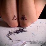 фото тату дары смерти №703 - эксклюзивный вариант рисунка, который удачно можно использовать для доработки и нанесения как тату дары смерти на шее