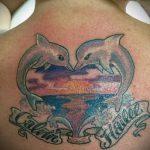 фото тату дельфин №411 - эксклюзивный вариант рисунка, который удачно можно использовать для переработки и нанесения как фото тату дельфин на лодыжке