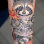 фото тату енот №8 - классный вариант рисунка, который удачно можно использовать для переработки и нанесения как фото тату енота на икре