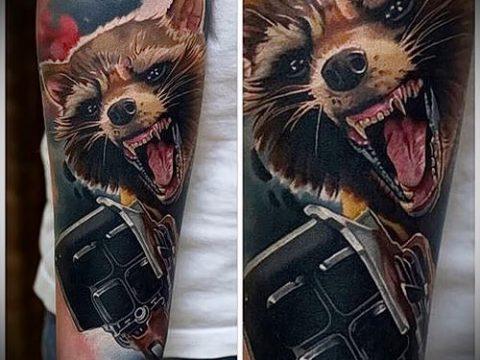 фото тату енот №474 - классный вариант рисунка, который хорошо можно использовать для переработки и нанесения как тату эскизы енот на плечо