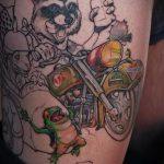 фото тату енот №546 - интересный вариант рисунка, который успешно можно использовать для доработки и нанесения как тату эскизы енот на плечо