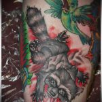 фото тату енот №604 - крутой вариант рисунка, который успешно можно использовать для переделки и нанесения как тату эскизы енот на плечо