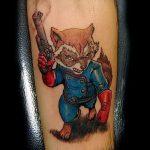 фото тату енот №913 - крутой вариант рисунка, который удачно можно использовать для переделки и нанесения как фото тату енота на икре