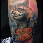 фото тату енот №38 - эксклюзивный вариант рисунка, который легко можно использовать для переработки и нанесения как тату эскизы енот на плечо