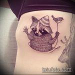 фото тату енот №608 - прикольный вариант рисунка, который хорошо можно использовать для доработки и нанесения как тату эскизы енот на плечо